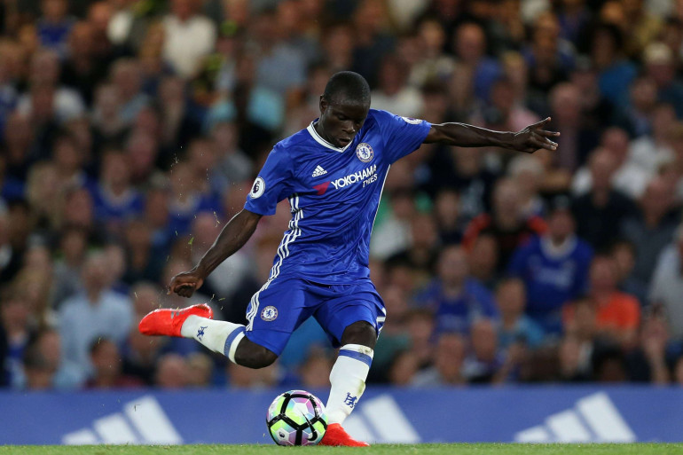 N'Golo Kanté, ici le 15 août 2016 avec Chelsea, a quitté Leicester pour environ 38 millions d'euros