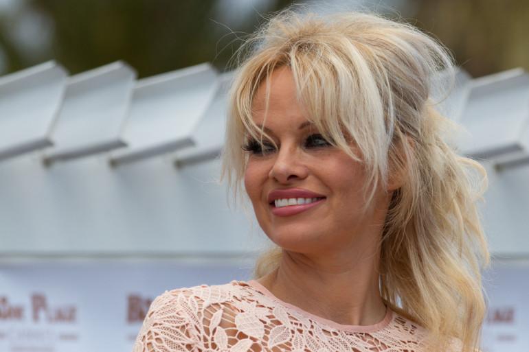 """Pamela Anderson appelle à une """"révolution sensuelle"""""""
