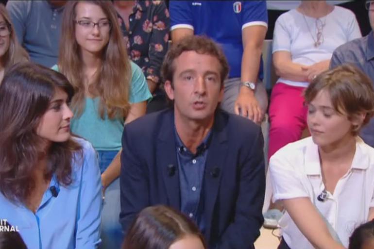 """Cyrille Eldin remplace Yann Barthès à la présentation du """"Petit Journal"""""""