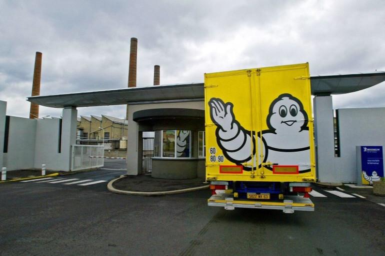Photo prise le 29 mai 2006, d'un camion entrant à l'usine Michelin de Clermont-Ferrand