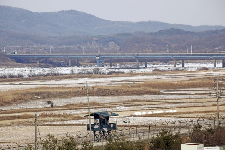 La DMZ, zone démilitarisée, sépare la Corée du Nord et le Corée du Sud.