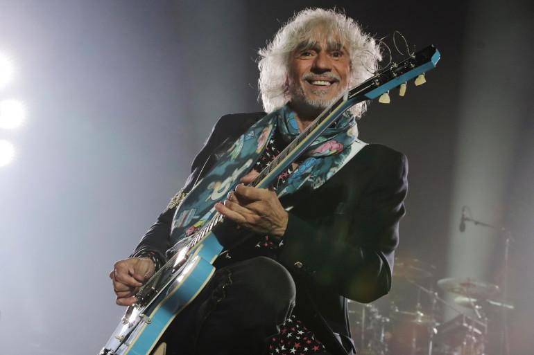 Louis Bertignac lors d'un concert en septembre 2017