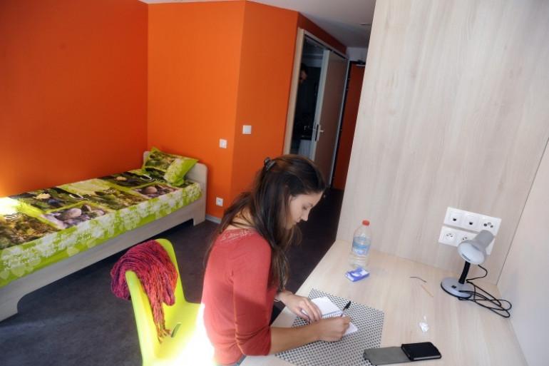 Une étudiante dans son logement, en septembre 2013