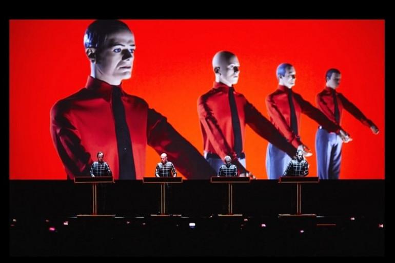 Kraftwerk a donné un concert en 3D à la fin des Nuits Sonores, à Lyon, le dimanche 1er juin 2014.