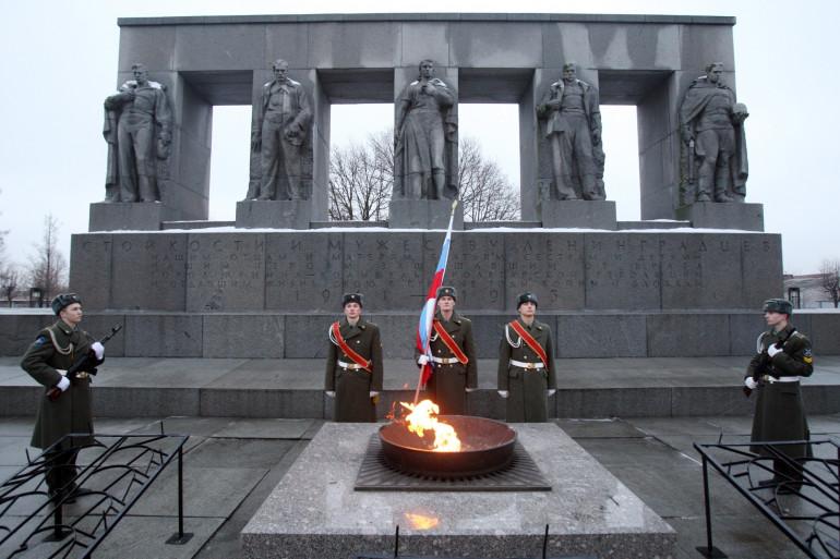 Un monument à la mémoire des morts lors du siège de Léningrad, en Russie (illustration)