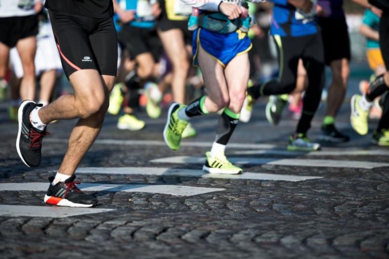 Des coureurs participant au Marathon de Paris, en avril 2016