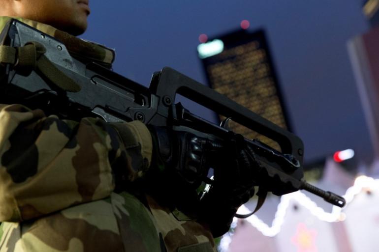 L'armée française va doter ses soldats de fusils d'assaut allemands HK 416 pour remplacer ses célèbres Famas