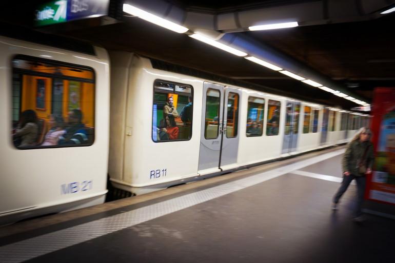 Un métro à Marseille (illustration)