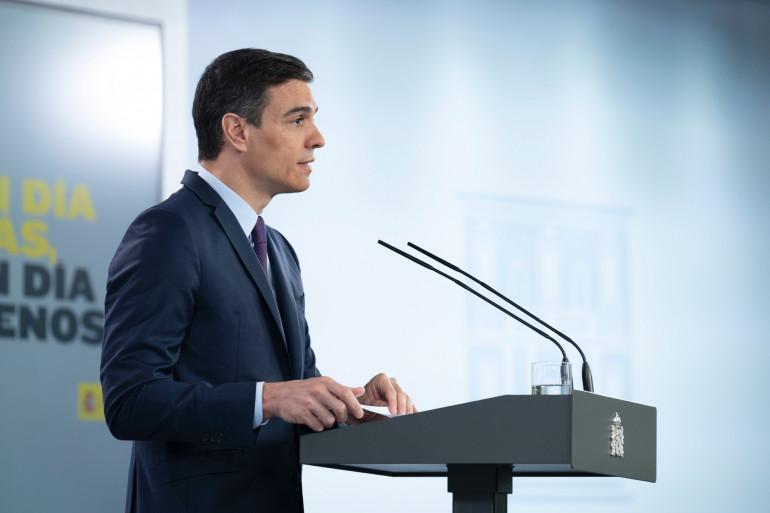Pedro Sanchez lors d'une conférence de presse à Madrid, le 16 mai 2020