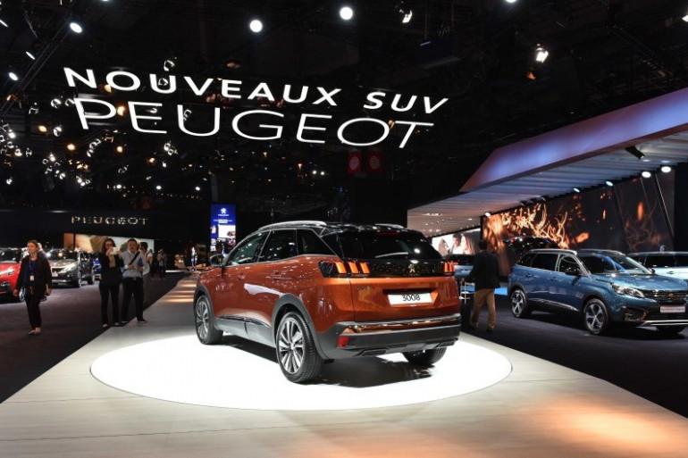 Le nouveau 3008 de Peugeot présenté lors de la journée presse du Mondial de l'Auto de Paris, le 29 septembre 2016