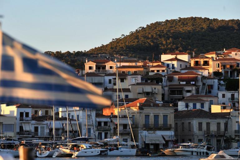 Un village de l'île de Poros, en Grèce.