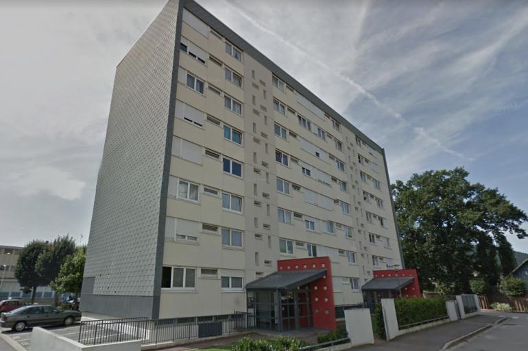 L'immeuble où une jeune femme a été retrouvée morte à Saint-Dié-les-Vosges