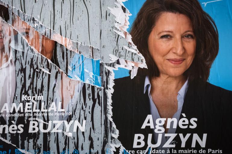 Une affiche de campagne d'Agnès Buzyn, le 14 mars 2020 à Paris