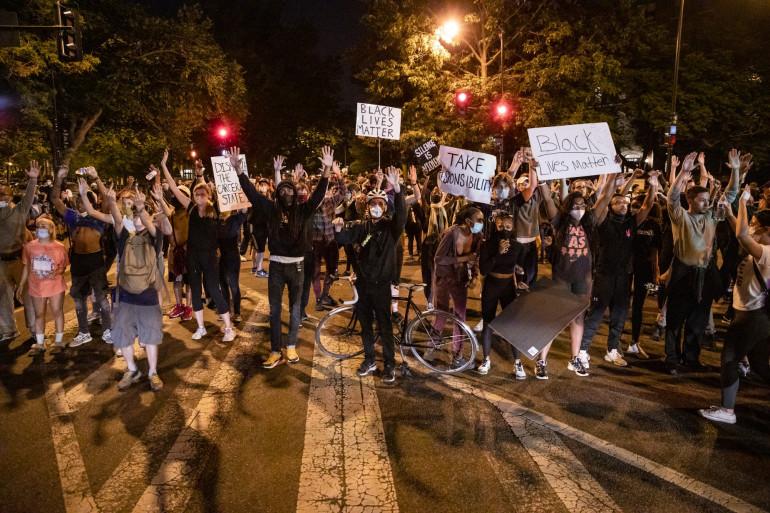 Manifestation après la mort de George Floyd, mardi 2 juin, à Washington.