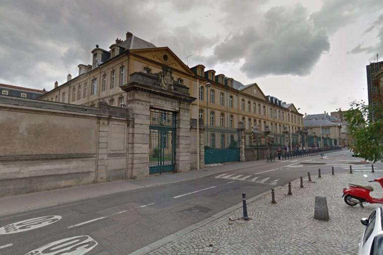 À Nancy, le lycée Henri Poincaré est fermé temporairement à cause de deux cas de coronavirus.