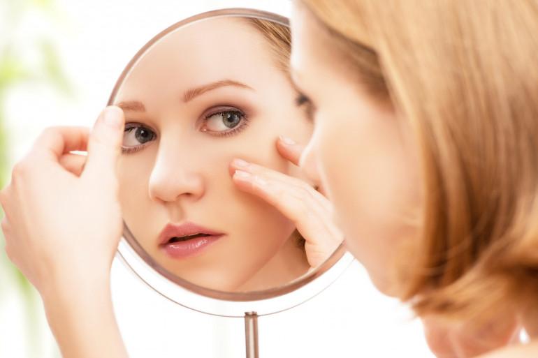 Tout ce qu'il ne faut pas faire quand on a de l'acné