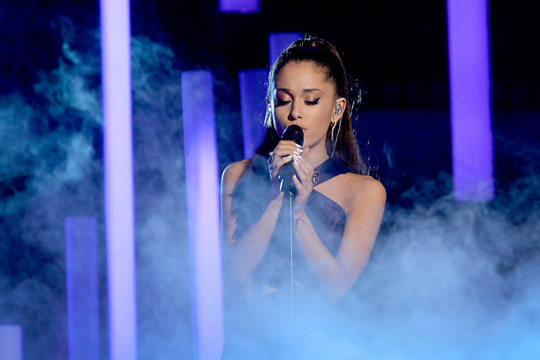 Ariana Grande lors des Grammy Awards en février 2015