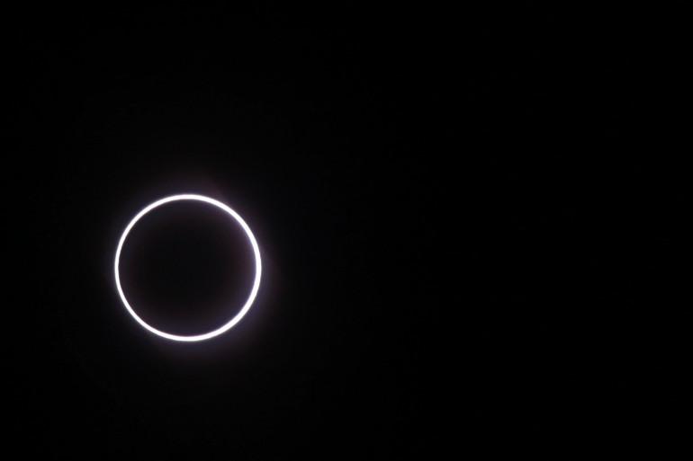 """Une éclipse de type """"cercle de feu"""" (illustration)"""