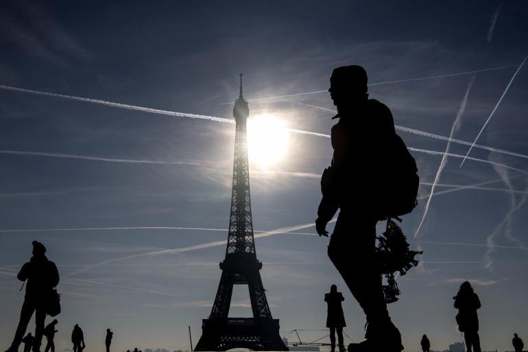 Temps ensoleillé à Paris (illustration)