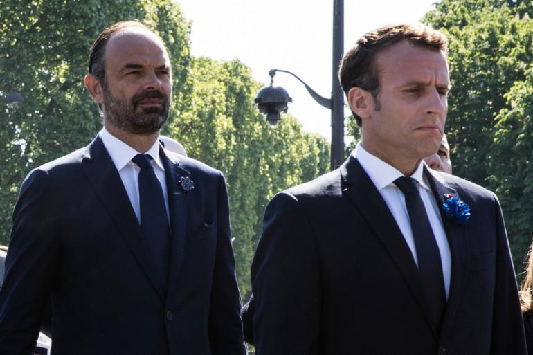 Le président de la République Emmanuel Macron aux côtés de son Premier ministre Édouard Philippe