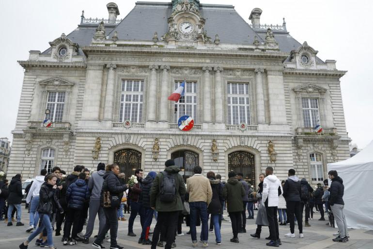 Des soutiens réunis à Levallois en hommage à Cédric Chouviat en janvier 2020.