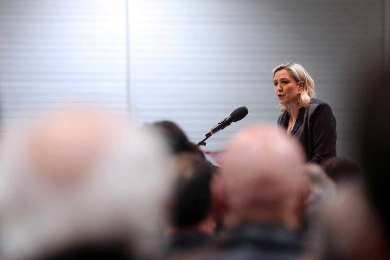 La présidente du Front national Marine Le Pen veut séduire l'électorat des seniors