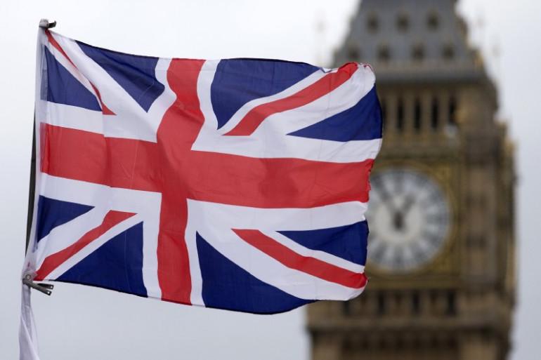L'Union Jack devant Big Ben à Londres.