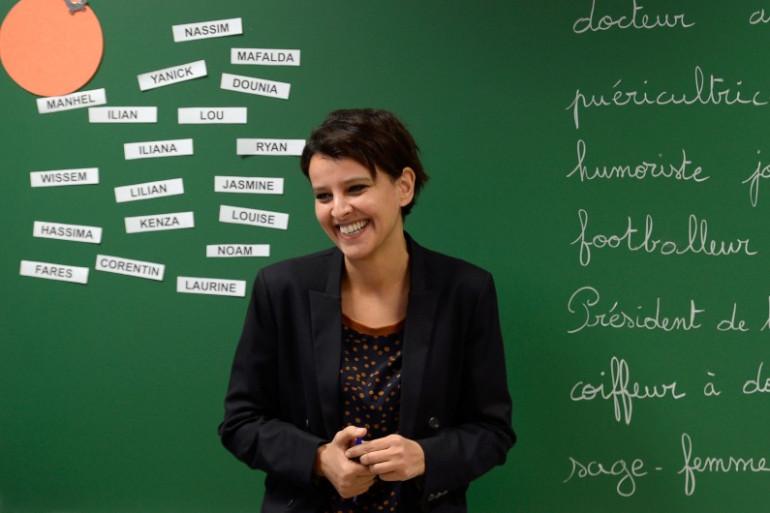 """La ministre de l'Éducation nationale présente les """"ABCD de l'égalité"""" dans une école de Villeurbanne le 13 janvier 2014."""