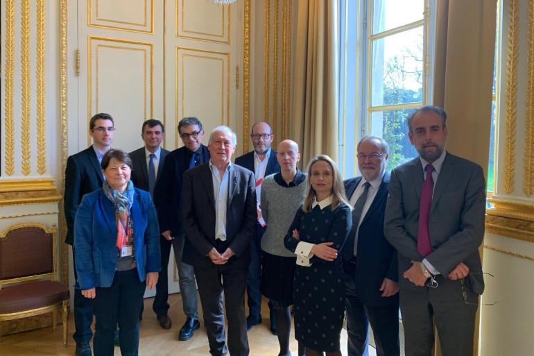 """L'équipe du """"Conseil scientifique"""", à l'Élysée."""