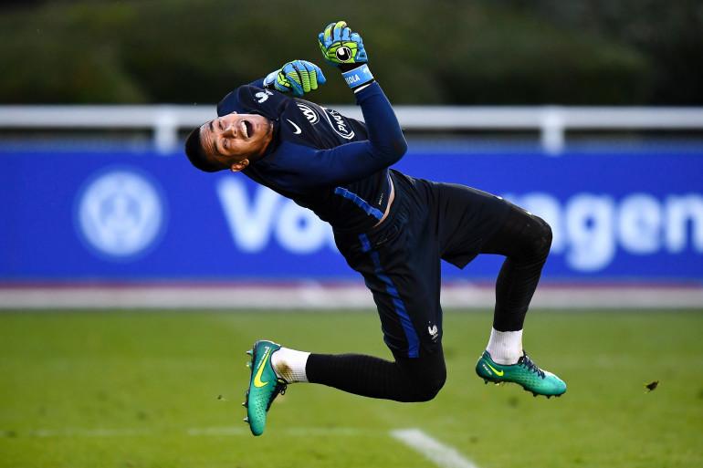 Alphonse Areola lors d'un entraînement avec l'équipe de France
