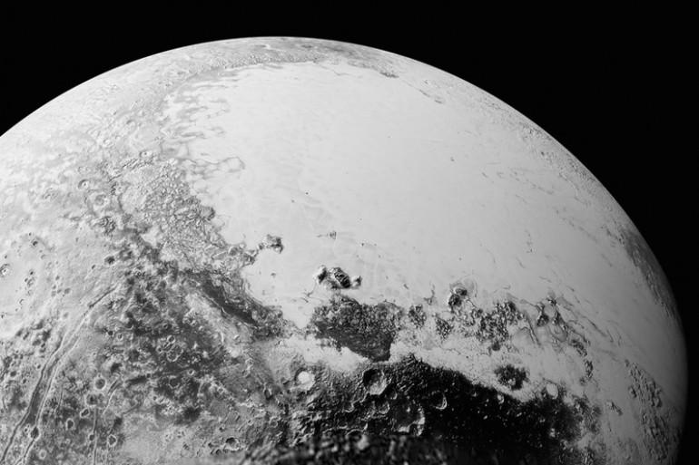 La surface de la planète naine Pluton