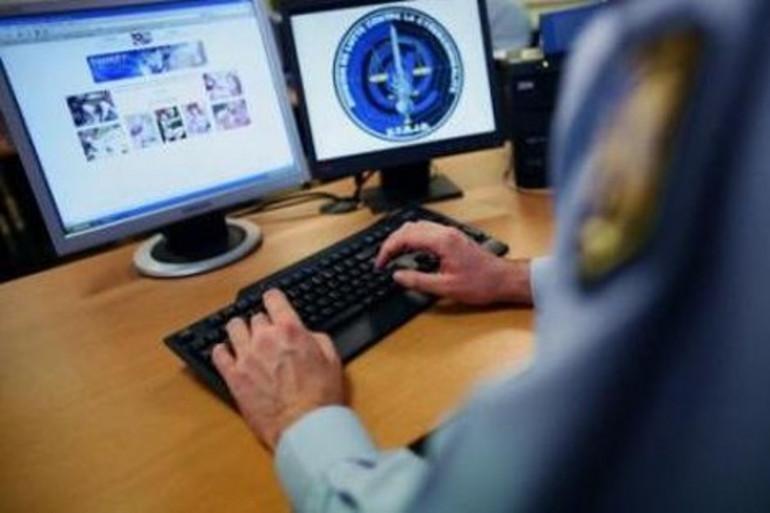 """Un gendarme contrôle un site """"sensible"""" à contenu pédo-pornographique"""