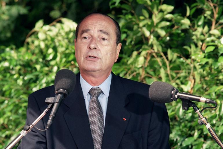 Photo prise le 16 juillet 1995 du président de la République Jacques Chirac prononçant un discours lors des cérémonies commémoratives de la rafle du Vel d'Hiv le 16 juillet 1942.