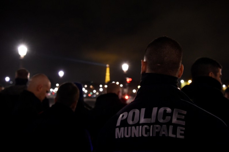 Des policiers manifestent à Paris le 24 octobre 2016