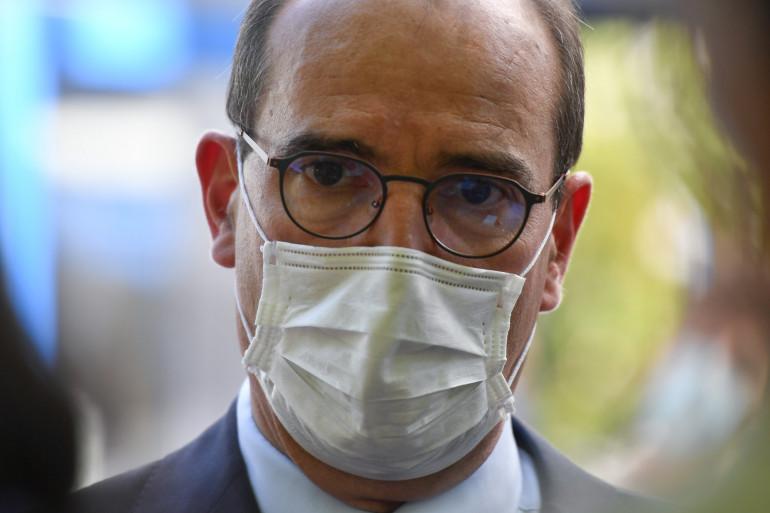Le Premier ministre Jean Castex, muni d'un masque, pendant l'épidémie de la Covid-19