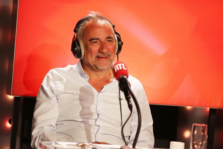 """Antoine Duléry dans """"Les Grosses Têtes"""""""