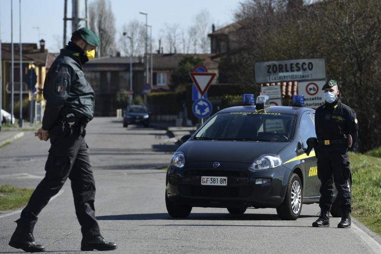 Des officiers de la Guardia di Finanza, police financière italienne. (Illustration)