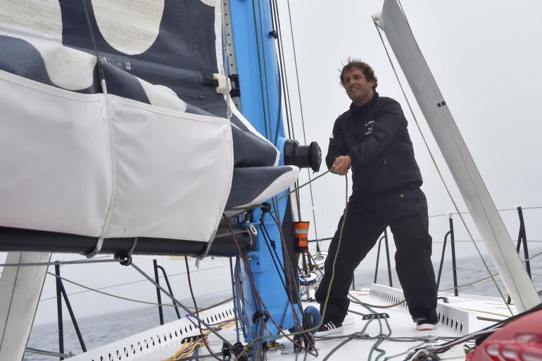 Éric Bellion, en préparation pour le Vendée Globe en septembre 2016