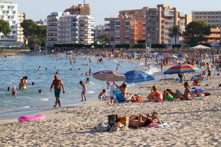 Une plage de l'île espagnole de Majorque, le 27 juillet 2020