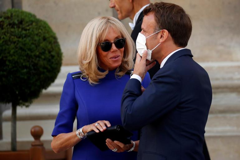 Brigitte et Emmanuel Macron, après le discours aux Armées, à l'hôtel de Brienne, le 13 juillet 2020.