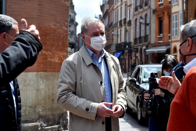 Le maire de Toulouse, Jean-Luc Moudenc, muni d'un masque le 16 mai 2020 (illustration)