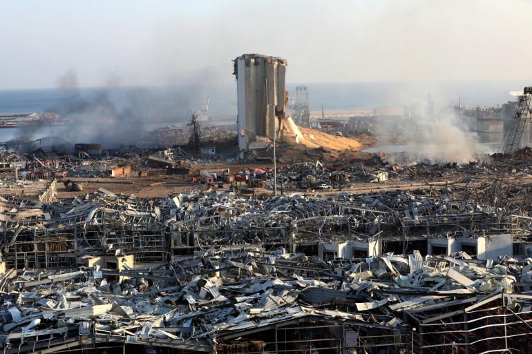Le port de Beyrouth ravagé par une double explosion le 4 août 2020