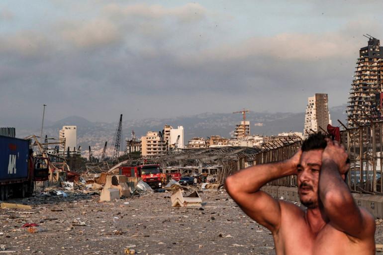 Les habitants sous le choc après une double explosion à Beyrouth, au Liban, le 4 août 2020