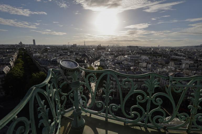 """À Paris, en cas de canicule, l'effet """"îlot de chaleur urbain"""" est particulièrement important."""