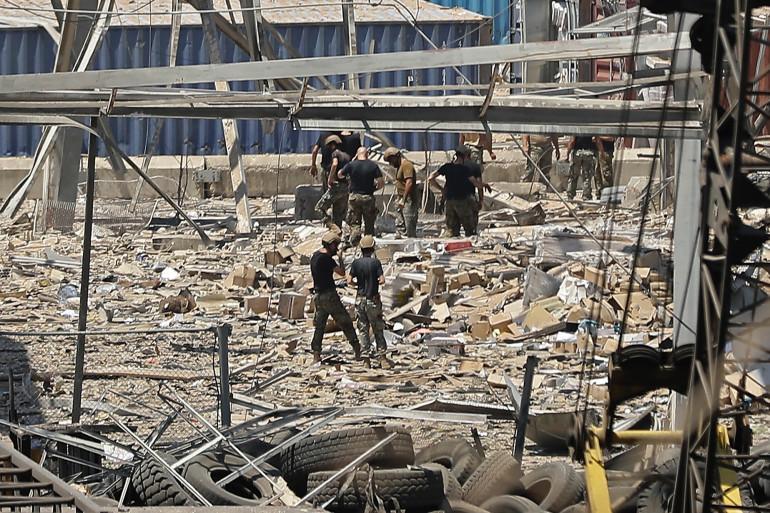 Des secours sur les lieux du sinistre, le 5 août 2020 à Beyrouth au Liban