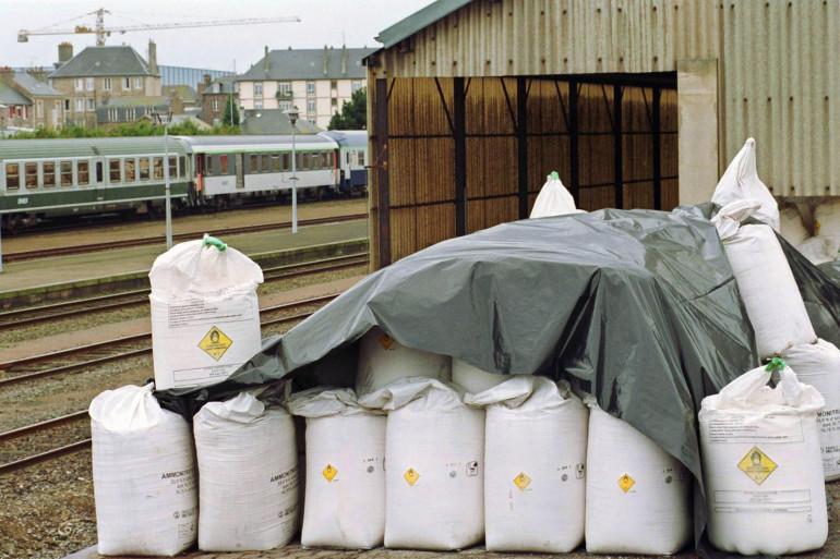 Des engrais à base de nitrate d'ammonium près de la gare de Saint-Malo en 2001