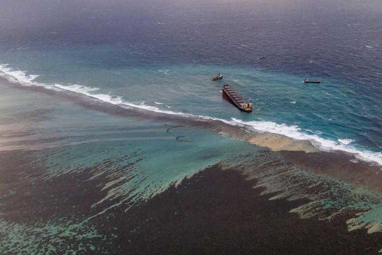 Le Wakashio, échoué au large de l'île Maurice, le 9 août 2020