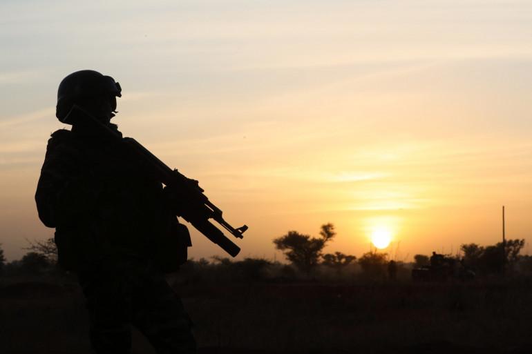 Un soldat dans la région de Tillabéri au Niger