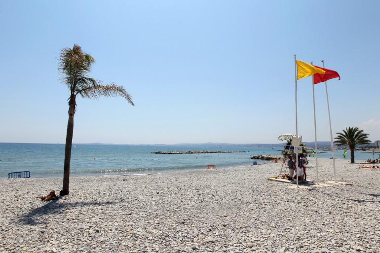 Une plage de Saint-Laurent-du-Var interdite à la baignade, en juillet 2012 (illustration).