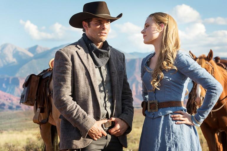 """Dolores et Teddy sont deux personnages importants de la série """"Westworld"""""""